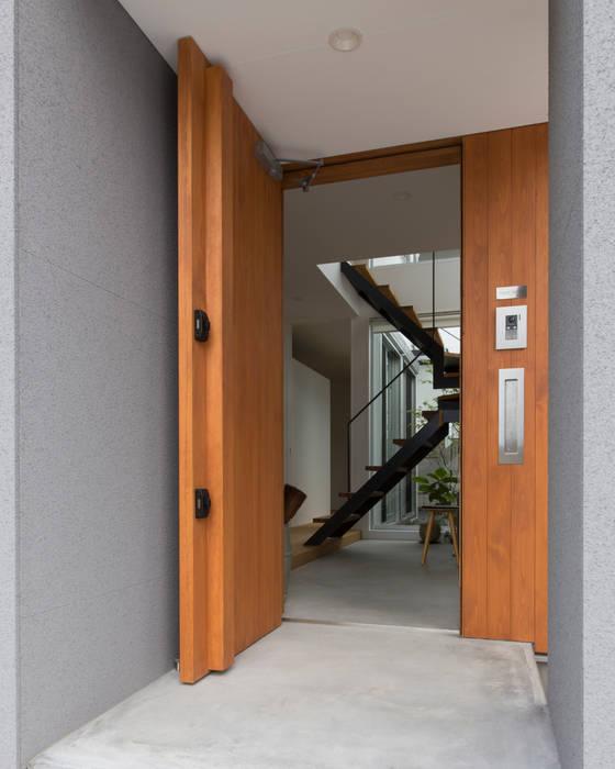 1.5階デッキのある家 オリジナルスタイルの 玄関&廊下&階段 の ラブデザインホームズ/LOVE DESIGN HOMES オリジナル