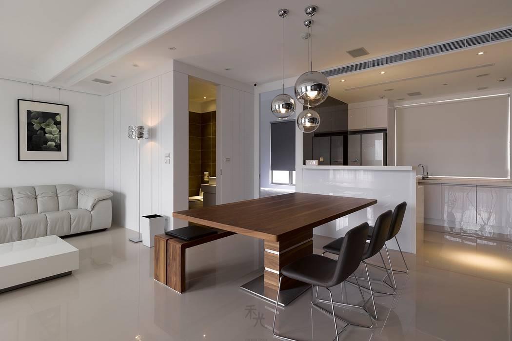 Puertas de estilo minimalista de 禾光室內裝修設計 ─ Her Guang Design Minimalista