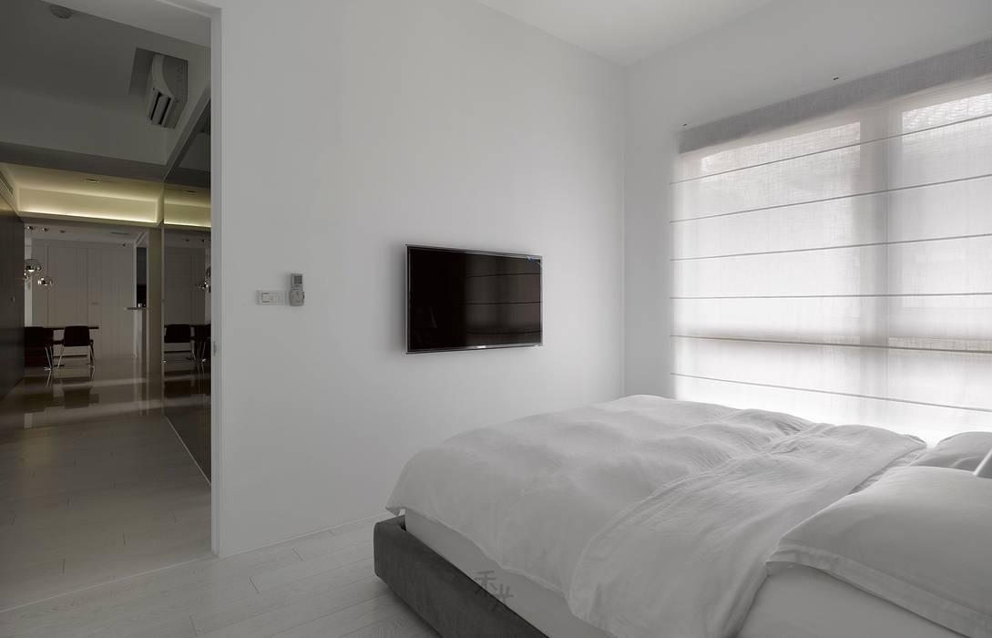 ห้องนอน โดย 禾光室內裝修設計 ─ Her Guang Design, มินิมัล