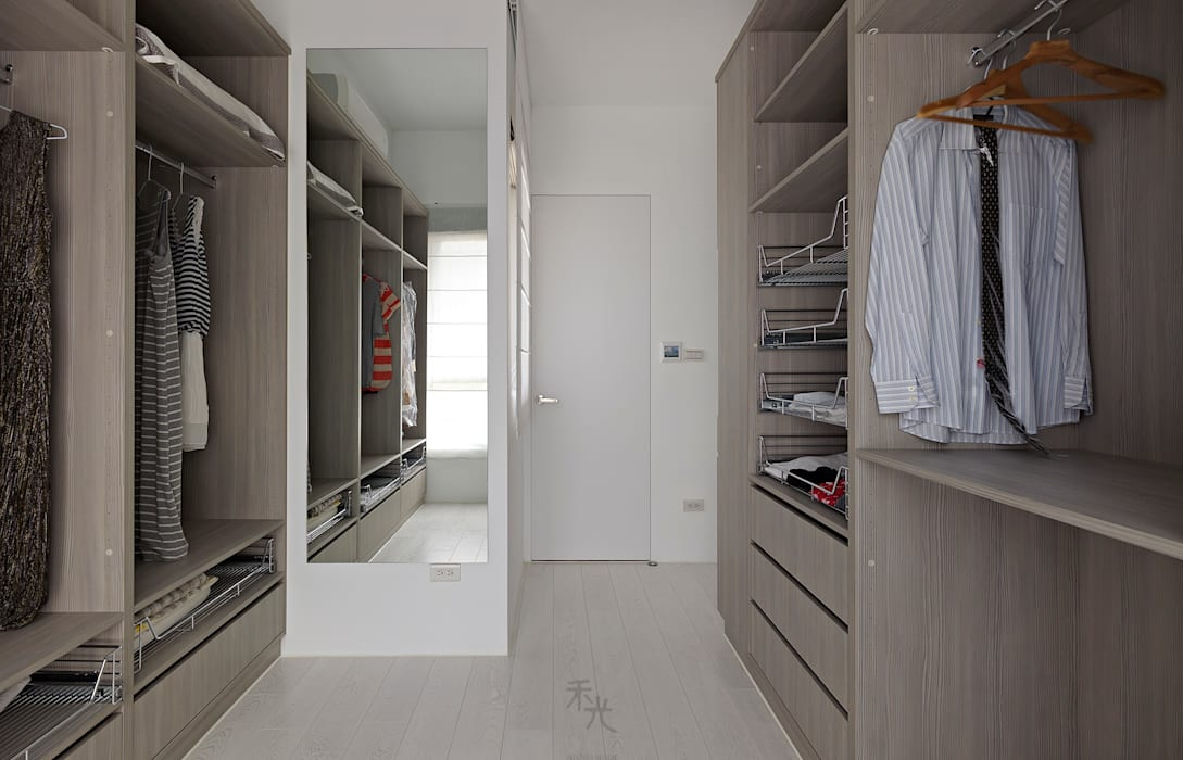 Minimalist dressing room by 禾光室內裝修設計 ─ Her Guang Design Minimalist