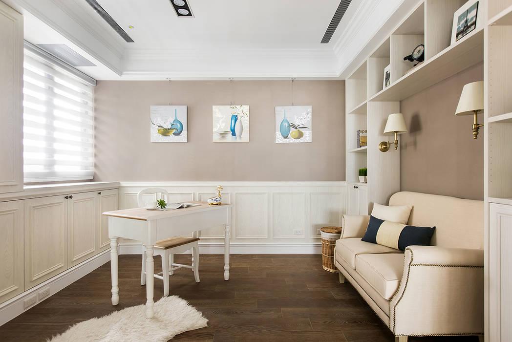 用光譜寫的美式鄉村風:  書房/辦公室 by 辰林設計