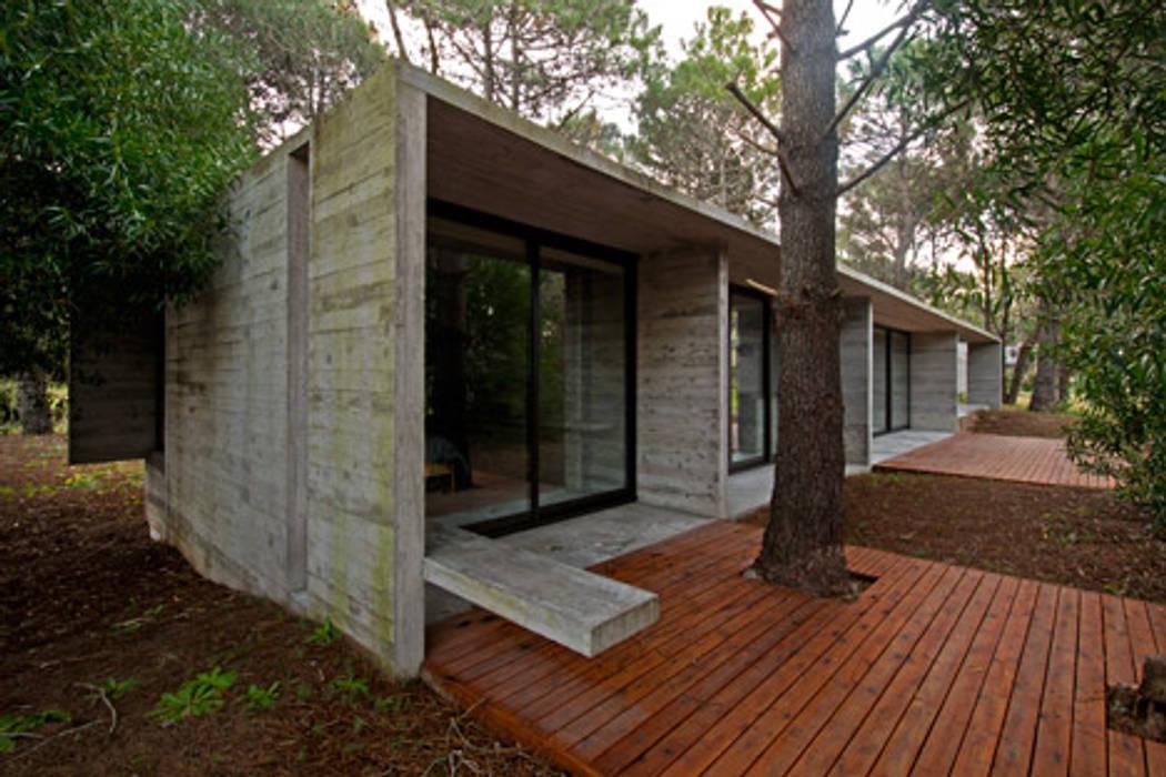 CASAS DE HORMIGÓN: Casas de estilo  por Casas Green Planet,