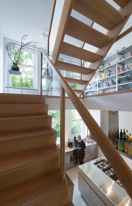 Woonhuis Kralingen van Arconiko architecten Minimalistisch
