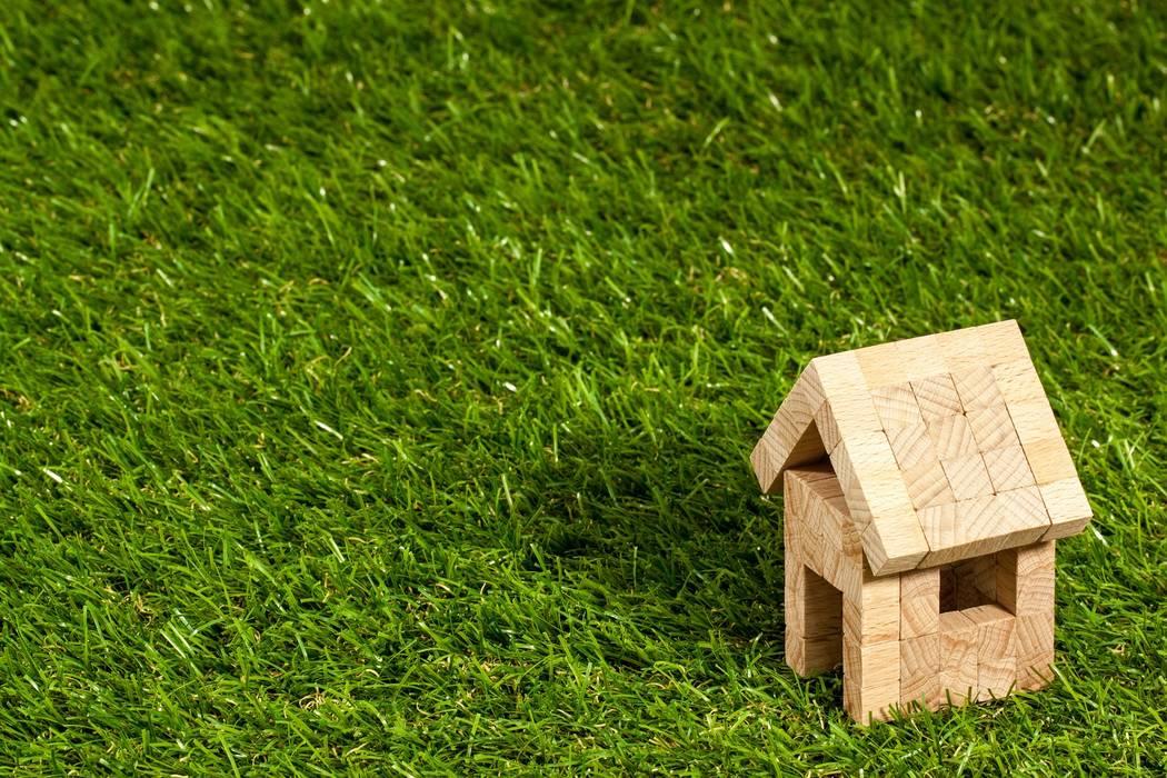 Das Massivholzhaus, einfach Wohngesundheit bauen!:  Holzhaus von SI-Massivhaus
