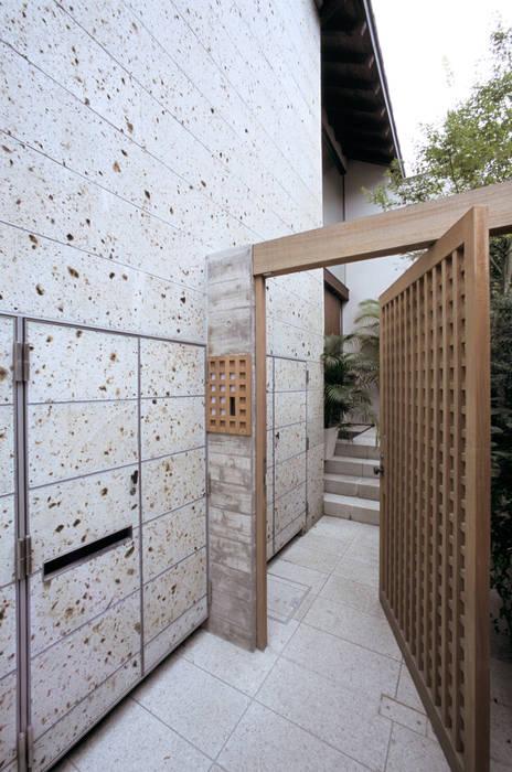 Maisons asiatiques par 株式会社 ギルド・デザイン一級建築士事務所 Asiatique Pierre