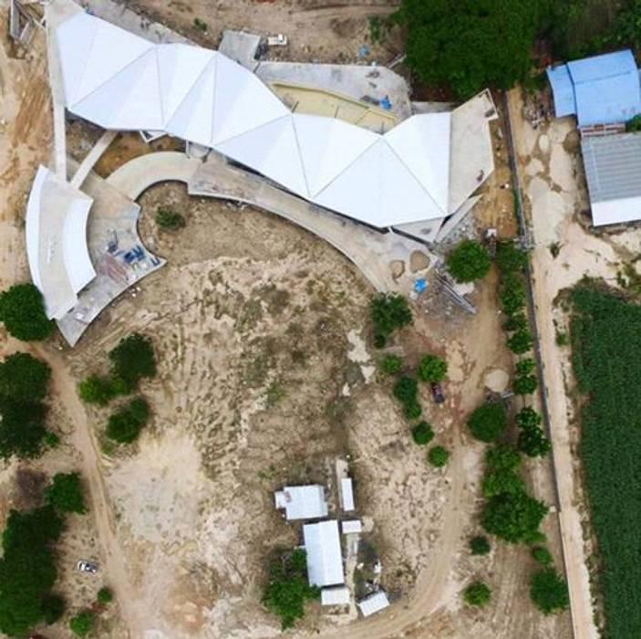 Drone View อินเตอร์โฮมพรอพเพอร์ตี้ บ้านประหยัดพลังงาน คอนกรีต Brown