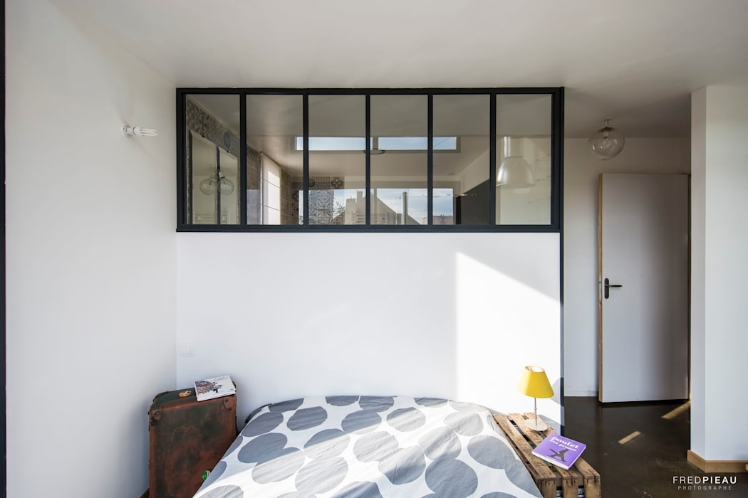 maison individuelle - projet d'extension: Chambre de style  par FRED PIEAU PHOTOGRAPHE