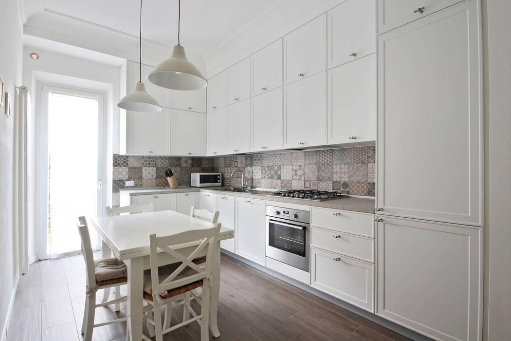 Cucina Bianca con Cementine Cucina rurale di JFD - Juri Favilli Design Rurale