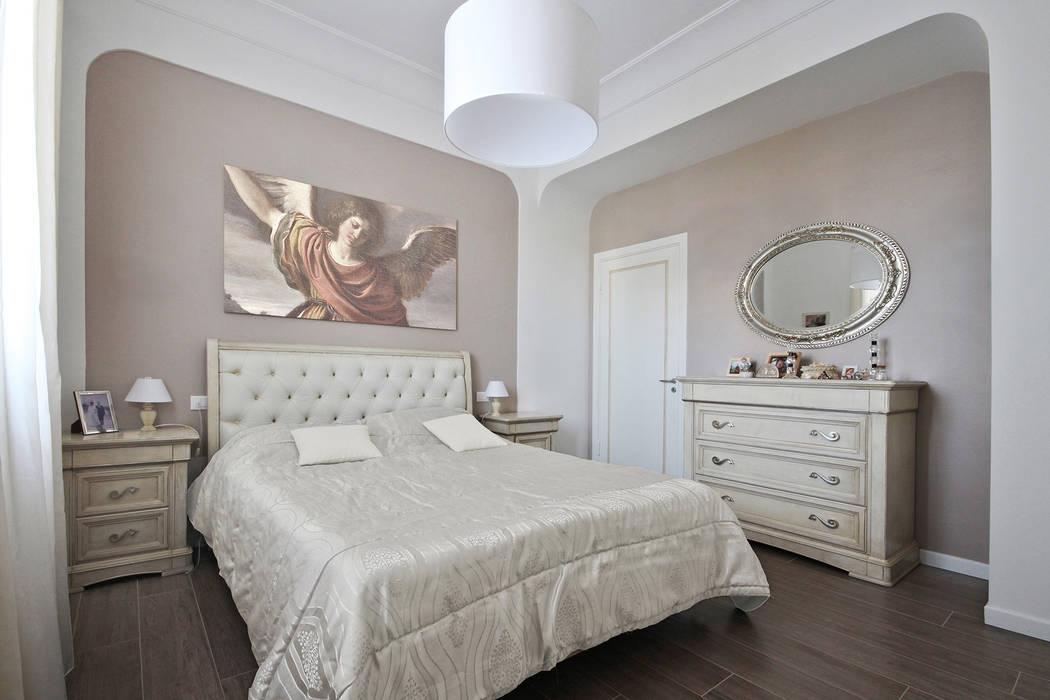Camere da letto stile country chic: camera da letto in stile di jfd ...