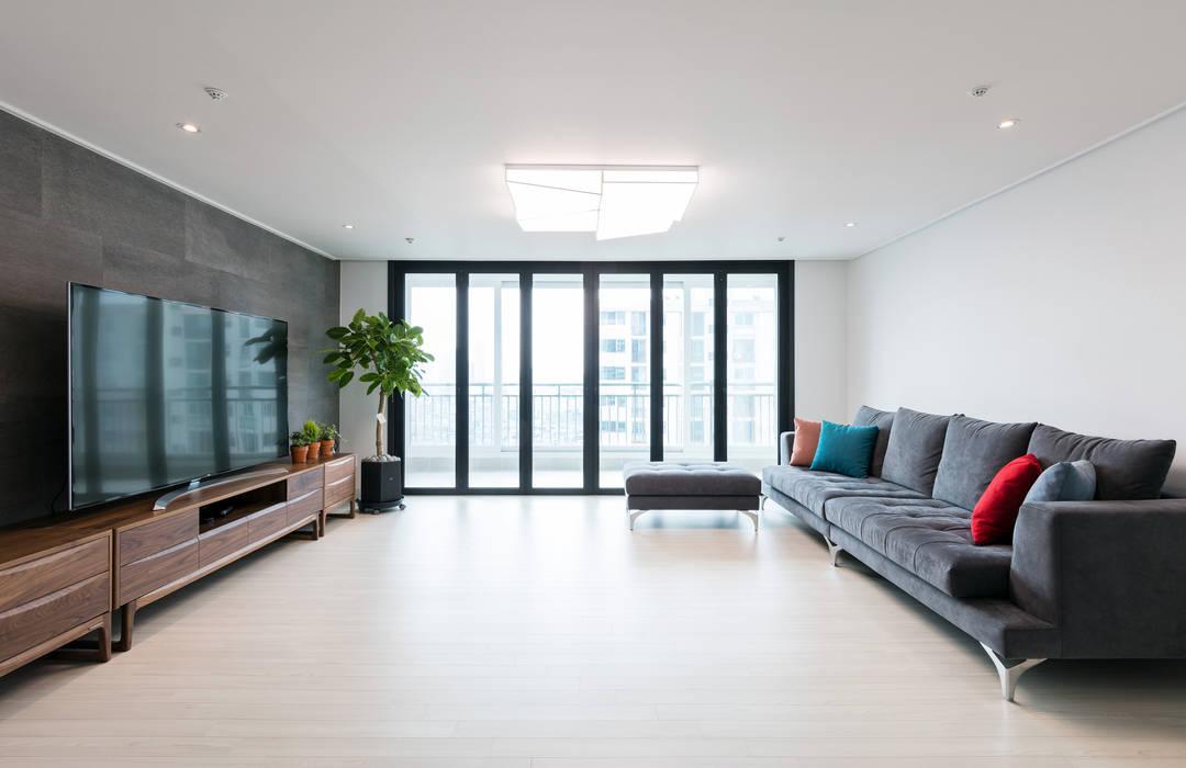 대림아파트: 한디자인 / HAN DESIGN의  거실