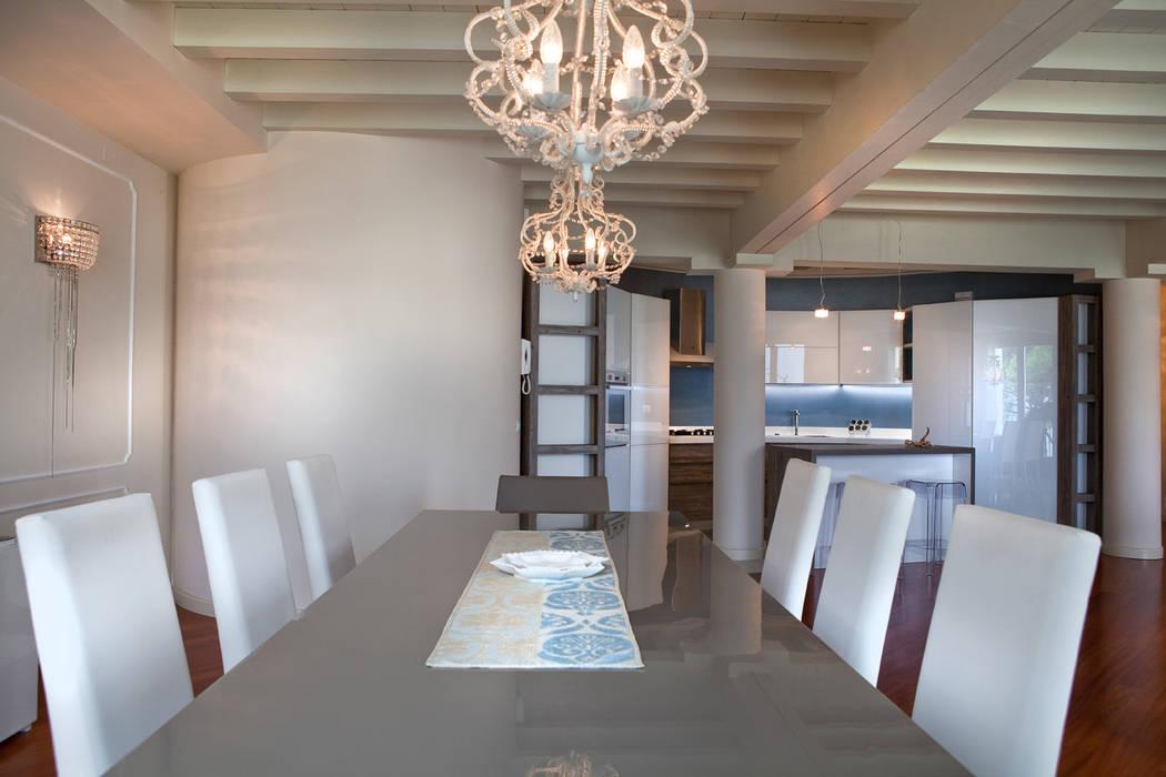 Phòng ăn theo Fab Arredamenti su Misura, Hiện đại