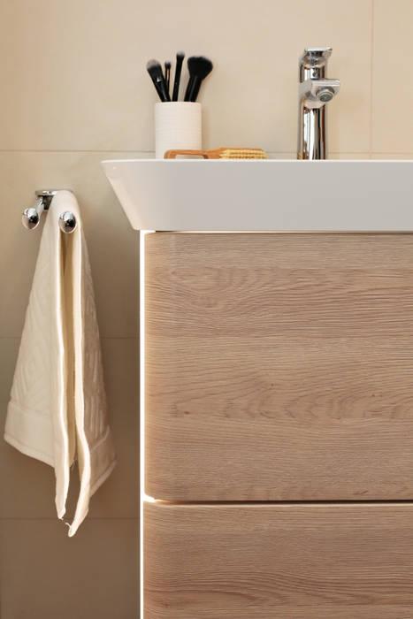 Moderner Waschtischunterschrank: moderne Badezimmer von Banovo GmbH