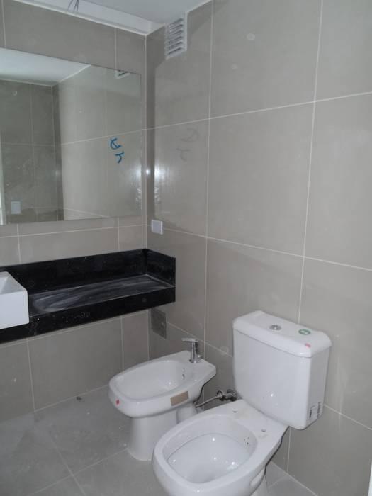 Baño del departamento: Baños de estilo  por NG Estudio