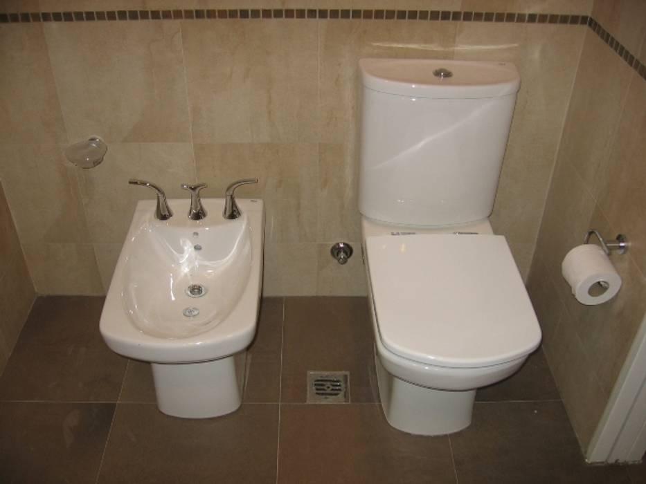 Baño principal.: Baños de estilo moderno por NG Estudio