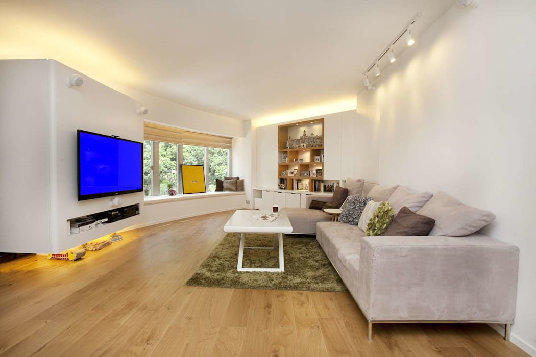 Tregunter Tower:  Living room by Clifton Leung Design Workshop, Modern