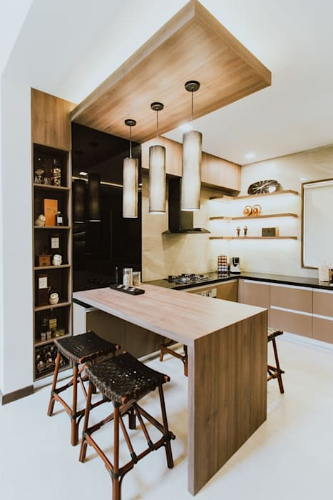 II House:  Kitchen by Living Innovations Design Unlimited, Inc., Tropical