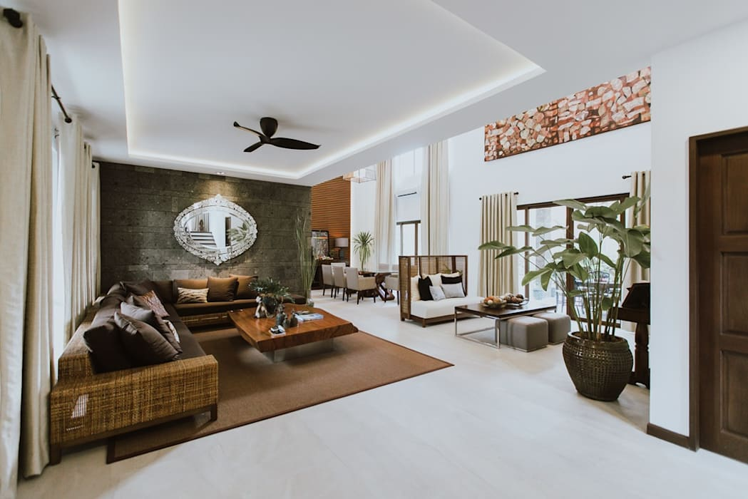 II House by Living Innovations Design Unlimited, Inc. Tropical