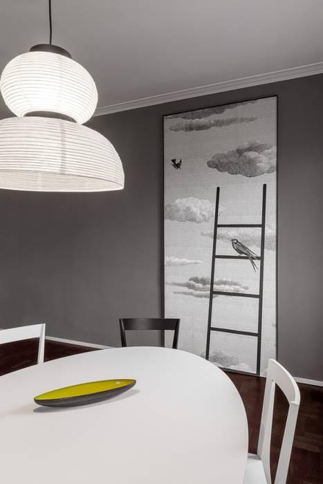 Zona pranzo: Sala da pranzo in stile in stile Moderno di Paola Maré Interior Designer