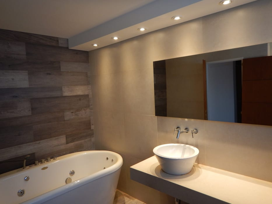 Casa M-25: Baños de estilo  por Estudio D3B Arquitectos,Moderno Cerámico