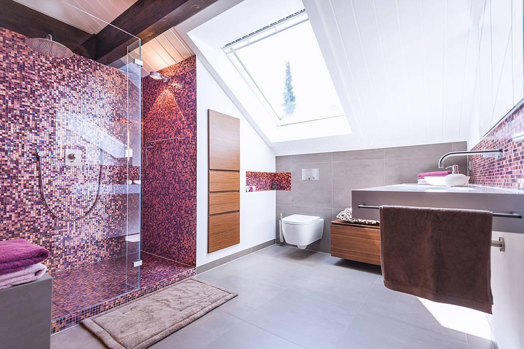 Duschbad mit mosaik moderne badezimmer von axel fröhlich ...