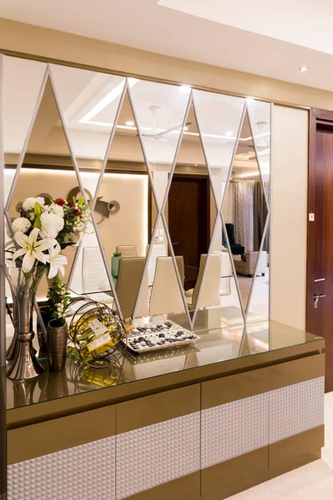 Mirror paneling Modern walls & floors by homify Modern