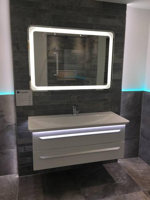 Badezimmer mit fliesen in steinoptik klassische badezimmer ...