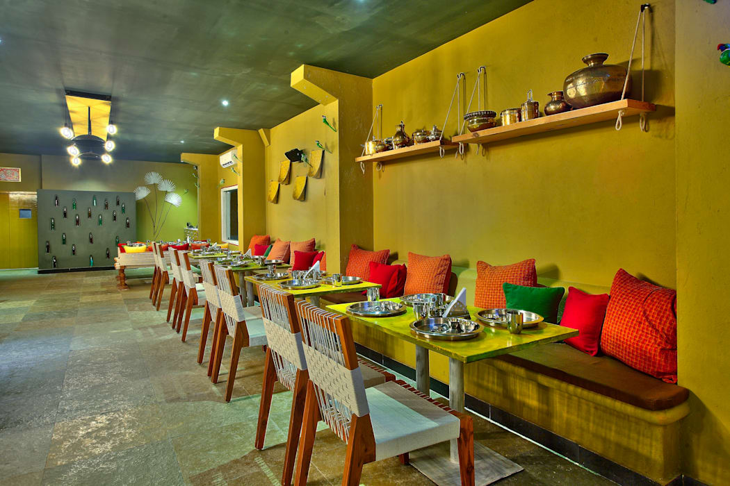 Restaurant, Hitec City:  Bars & clubs by Saloni Narayankar Interiors