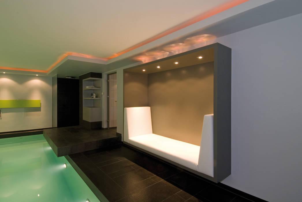 Architekturbüro zwo P Piscinas de estilo moderno