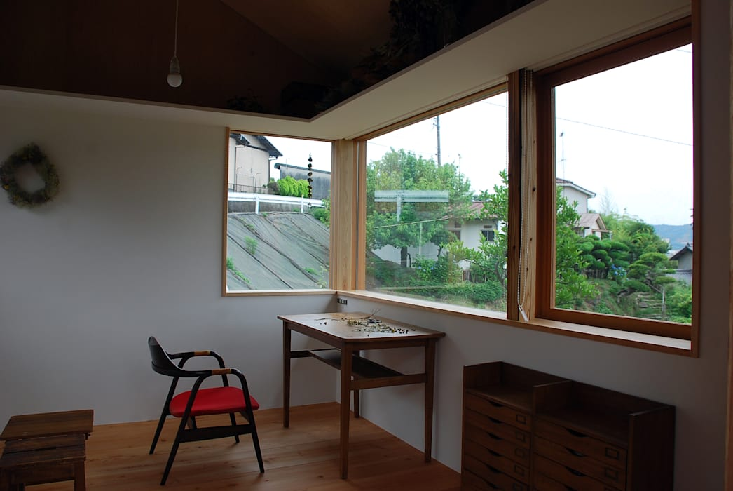 Jendela oleh 丸菱建築計画事務所 MALUBISHI ARCHITECTS, Modern Kayu Wood effect