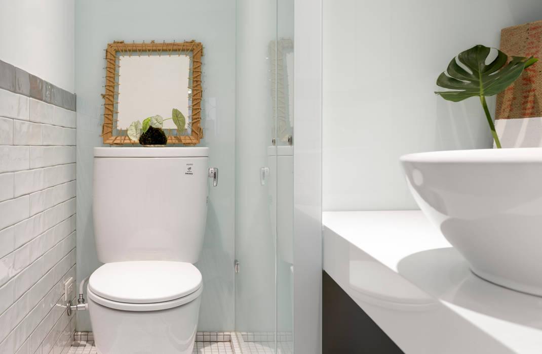 Ванные комнаты в . Автор – 磨設計, Скандинавский Плитка