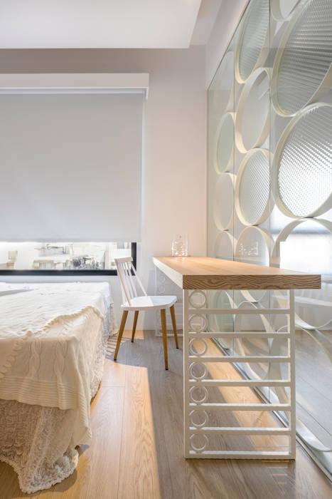 Ruang Studi/Kantor Gaya Skandinavia Oleh 磨設計 Skandinavia