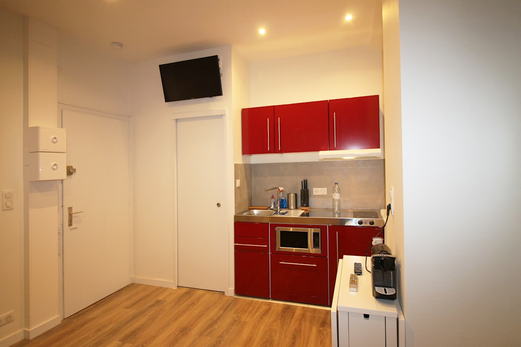 Kitchen by Agence ADI-HOME, Modern Iron/Steel