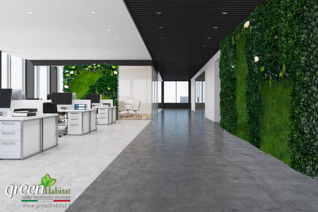 CORRIDOIO GIARDINO VERTICALE: Studio in stile in stile Industriale di Green Habitat s.r.l.