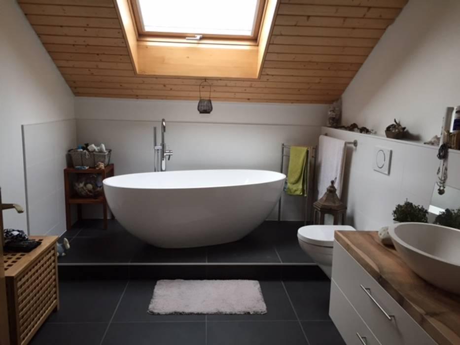 Freistehende badewanne piemont medio: badezimmer von maxxwell ag ...