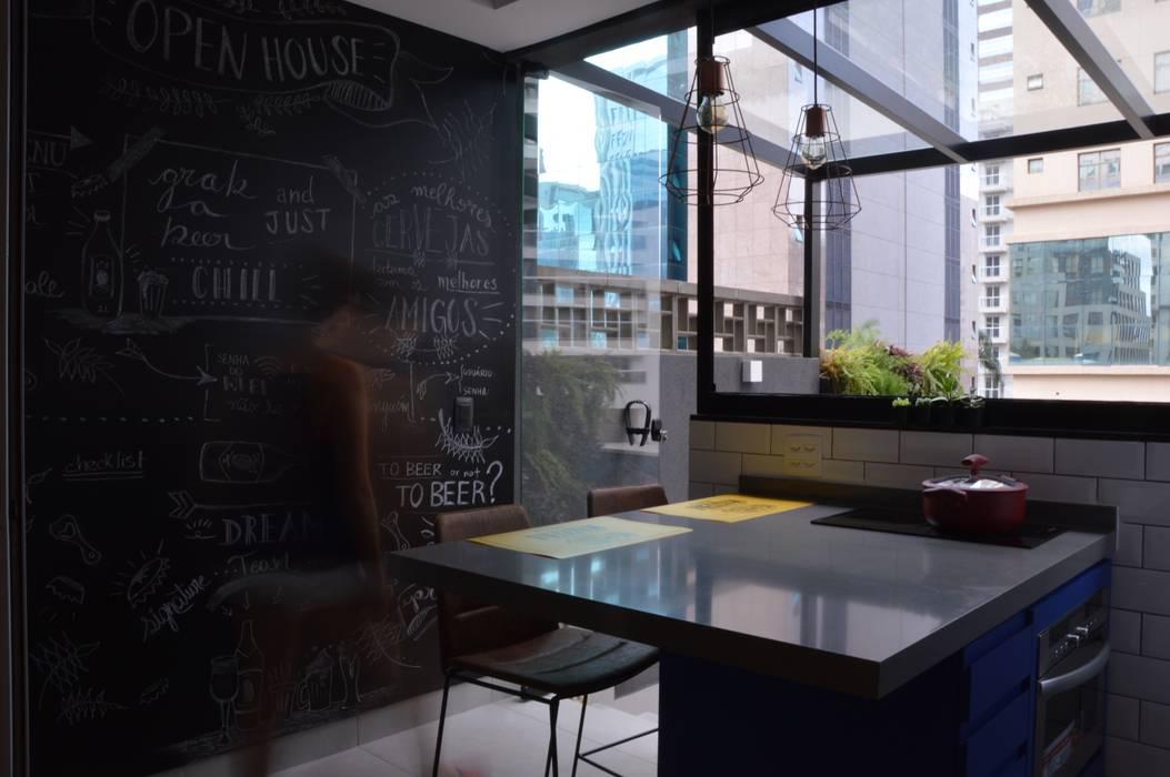 Copa : Cozinhas  por Studio Elã