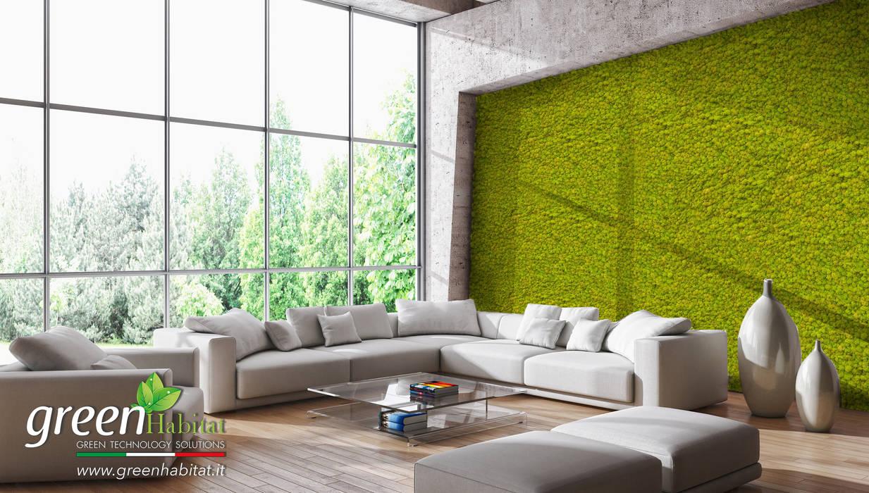 SOGGIORNO CON PARETE VERDE: Soggiorno in stile in stile Moderno di Green Habitat s.r.l.