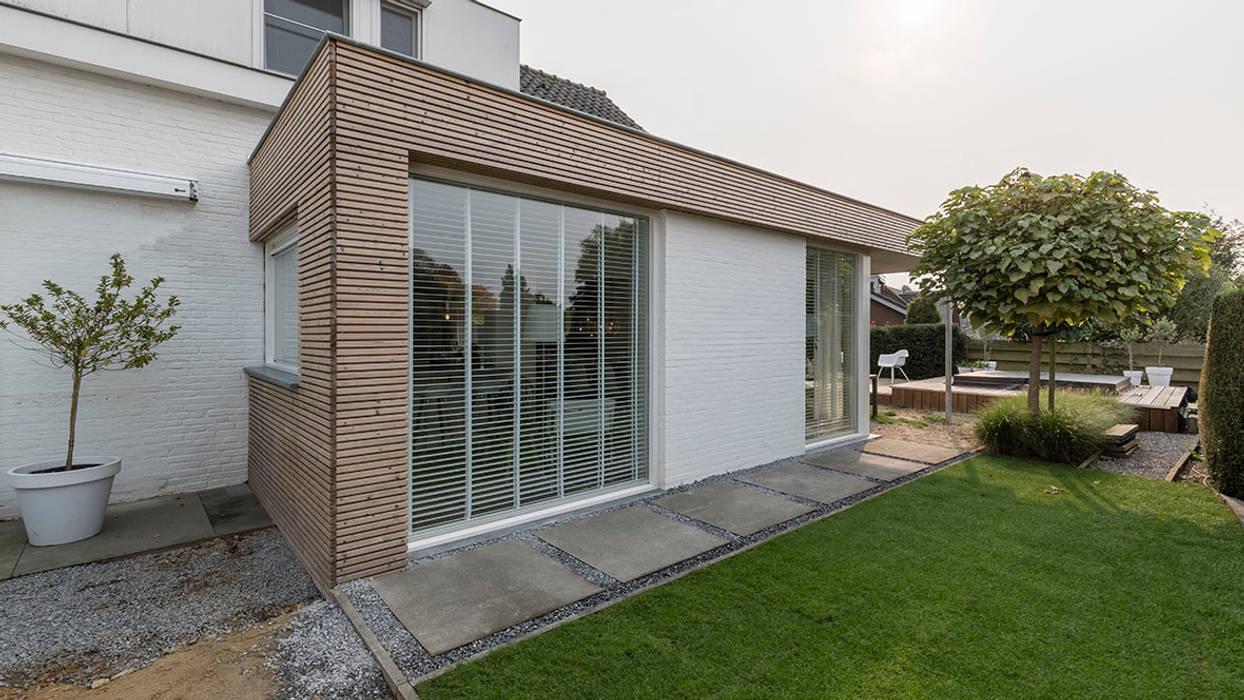 Modern houses by CHORA architecten Modern