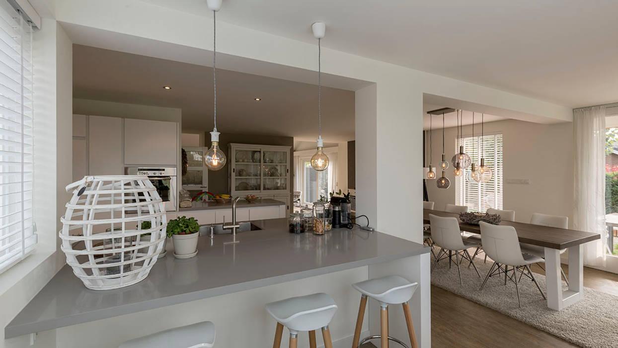 interieur woonhuis:  Keuken door CHORA architecten