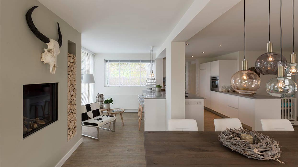 Modern conservatory by CHORA architecten Modern