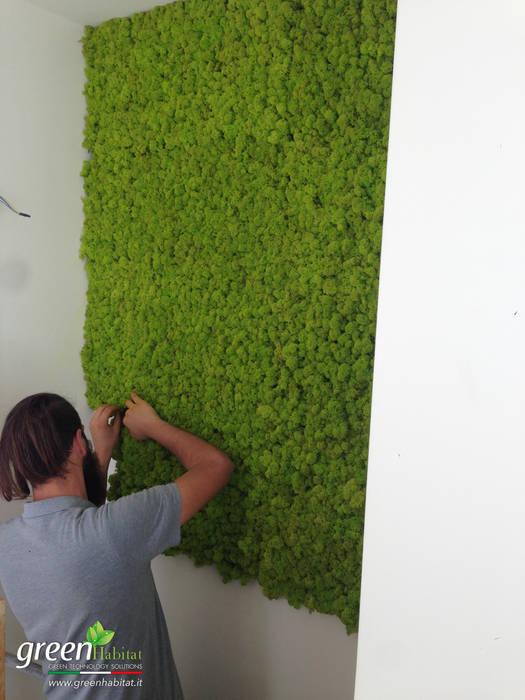 MONTAGGIO LICHENE STABILIZZATO: Porte in stile  di Green Habitat s.r.l.
