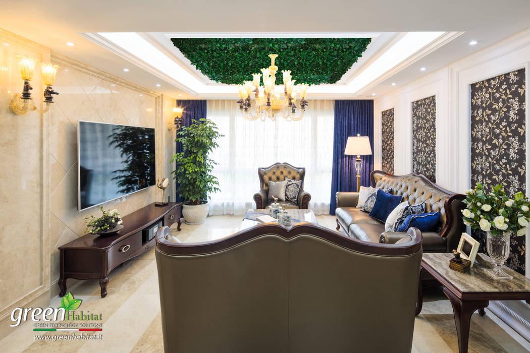 GIARDINO A SOFFITTO: Soggiorno in stile in stile Classico di Green Habitat s.r.l.