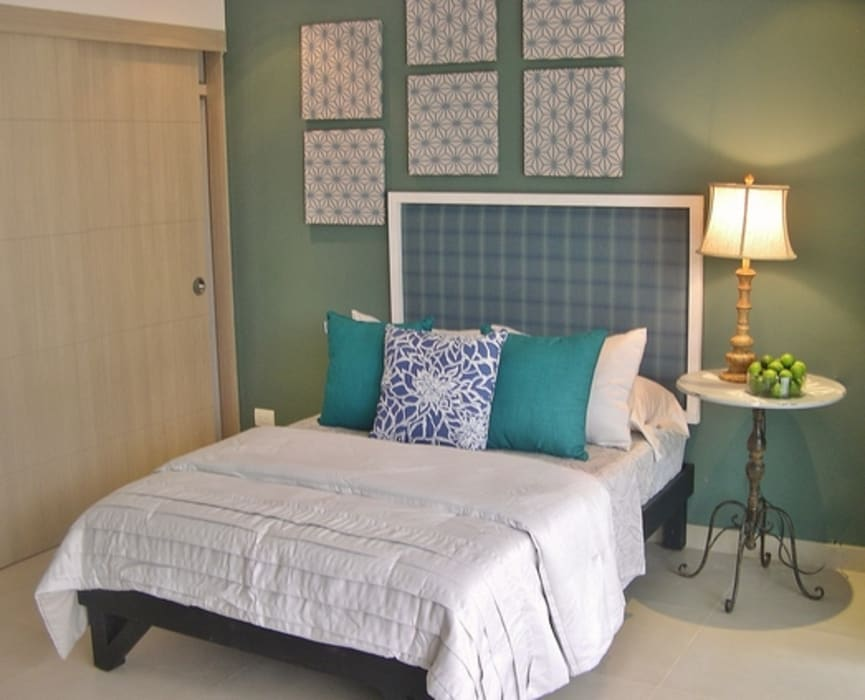 The Perfect Studio Apartment - Designer-Look ​Under $4000 Dollars ​(2014) by James Grey Interiors Eclectic
