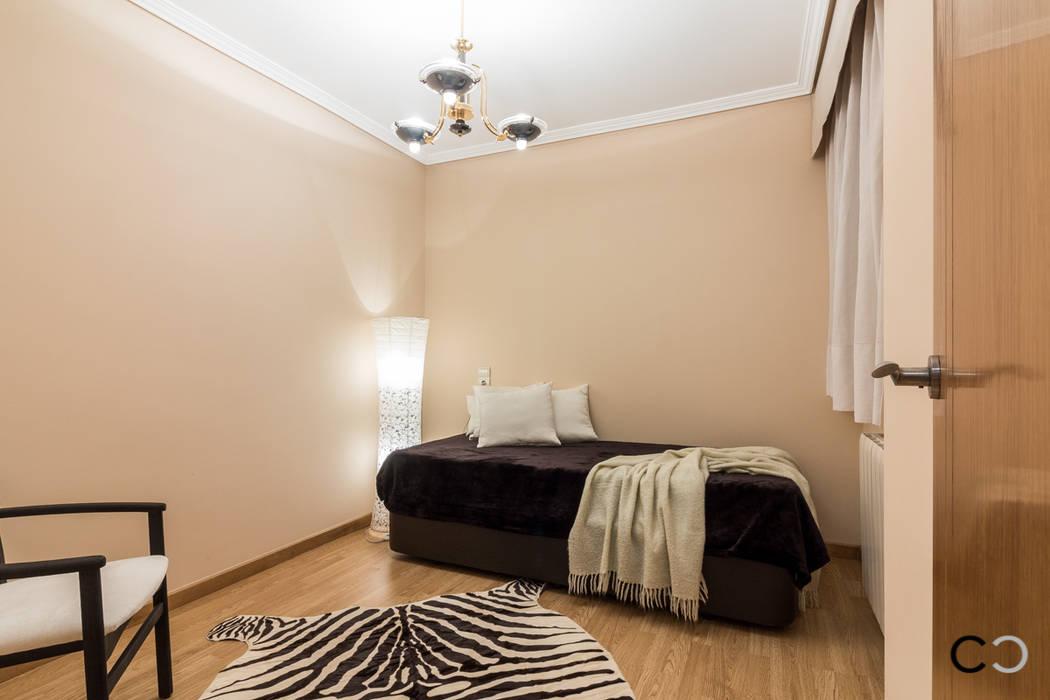 DORMITORIO Dormitorios de estilo moderno de CCVO Design and Staging Moderno