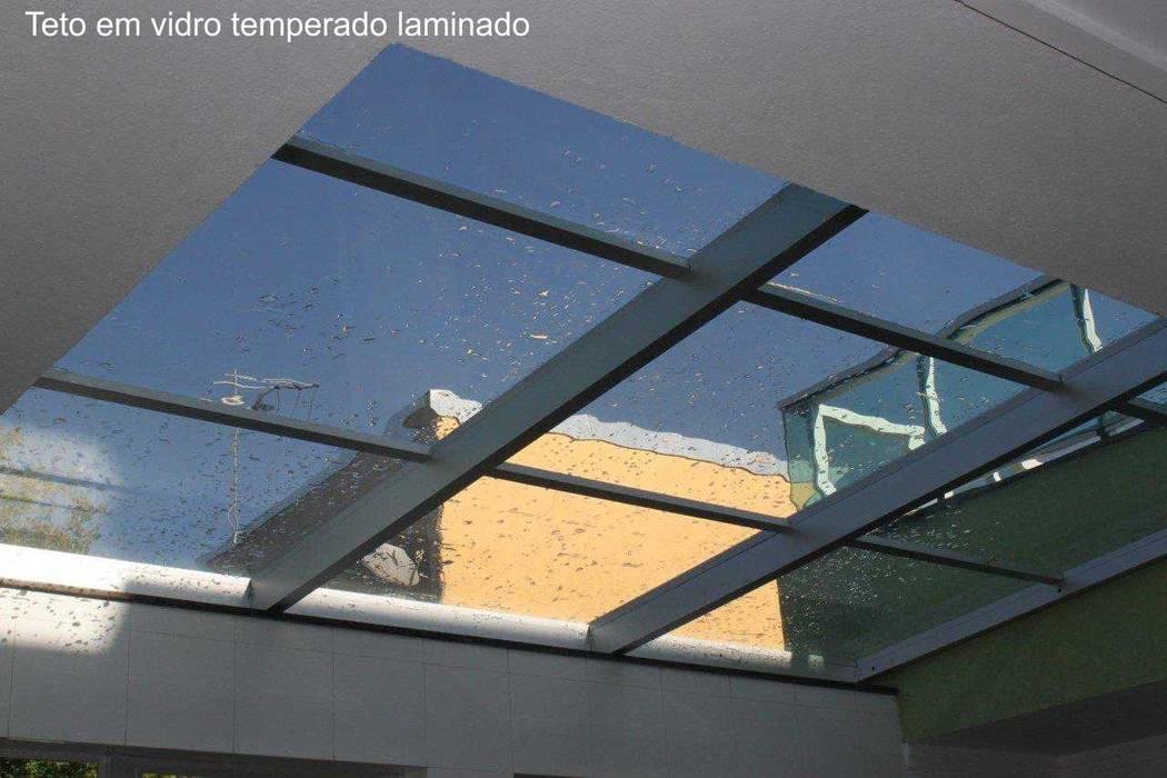 cobertura retratil por Envidralux esquadrias e vidros Moderno Vidro