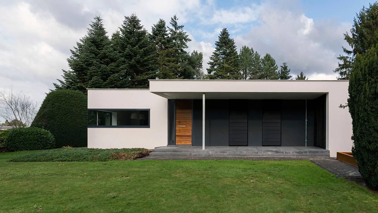 Eigentijdse villa: moderne huizen door chora architecten homify