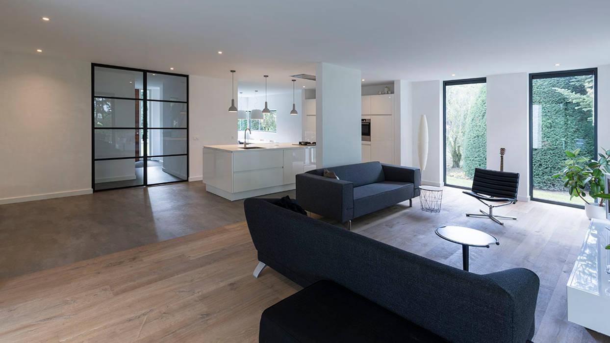 Eigentijdse villa woonkamer door chora architecten homify