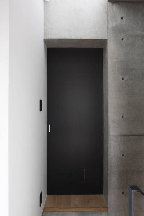 神宮前の家 の (有)中尾英己建築設計事務所 モダン