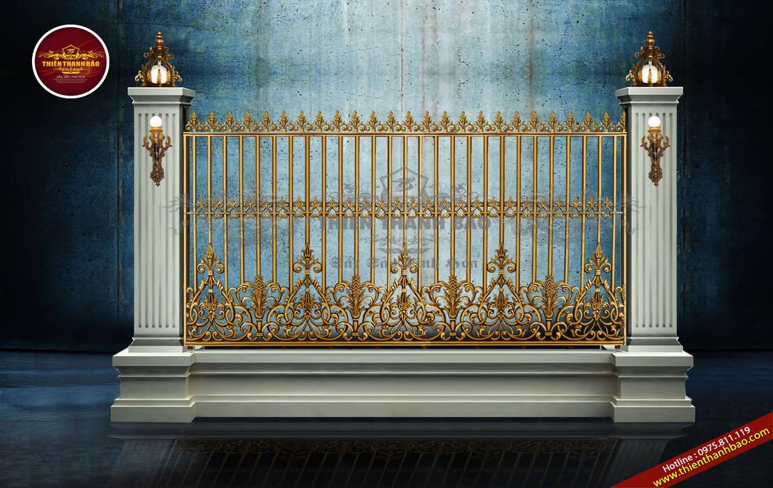 Hàng rào nhôm đúc hoa lá tây:  Biệt thự by Cổng nhôm đúc Thiên Thanh Bảo