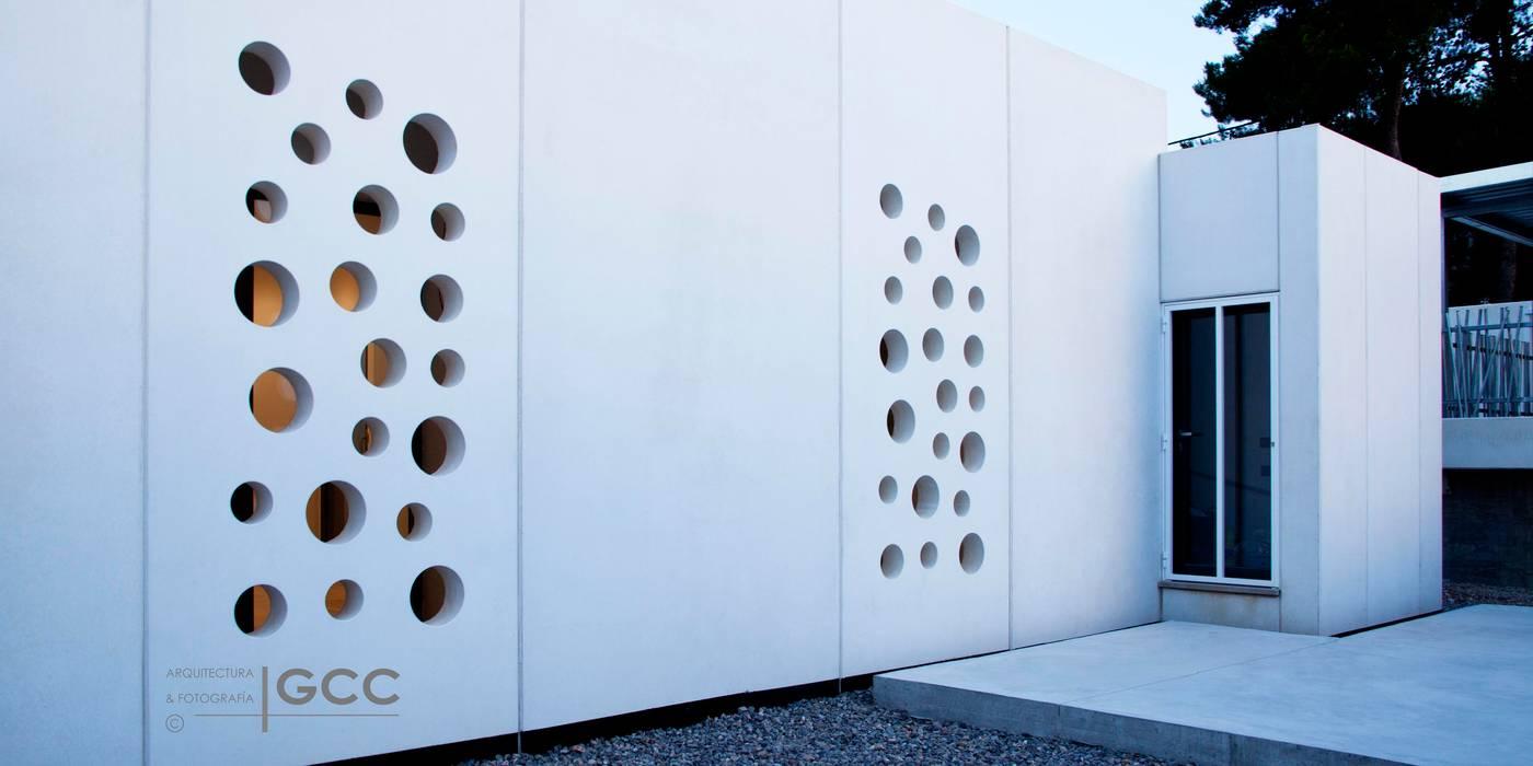 casa byg vivienda unifamiliar en urb Calicanto (Chiva): Casas prefabricadas de estilo  de miguel cosín