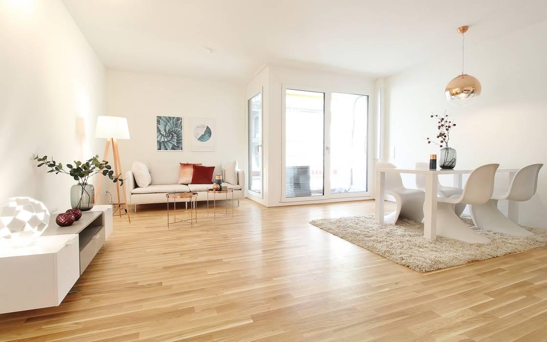 Livingroom - Wohnen und Essen in einem Raum: moderne Wohnzimmer von Nicole Schütz Home Staging